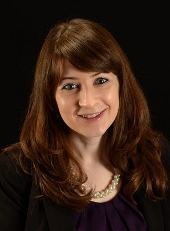 Jen Poti Headshot